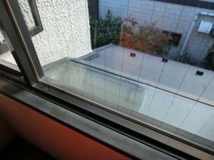 水洗いだけで仕上がった窓ガラス