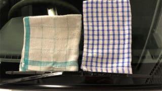 窓ガラスコートの拭き取り用タオル。使い分けるのは意味がある。