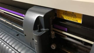 カッティングステッカーは案外簡単に作れます。道具さえあれば。